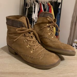Tommy Hilfiger oxford-style combat boots size 10